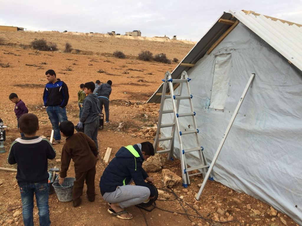 Only a stone's throw from the Syrian border: Syrian refugees have to overcome the hardest winter in Arsal, Lebanon