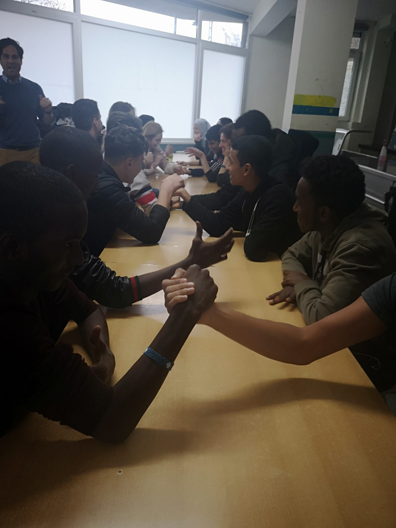 How do you share an orange? – Innovative problem-solving workshop empowers refugee youth | Brussels Express